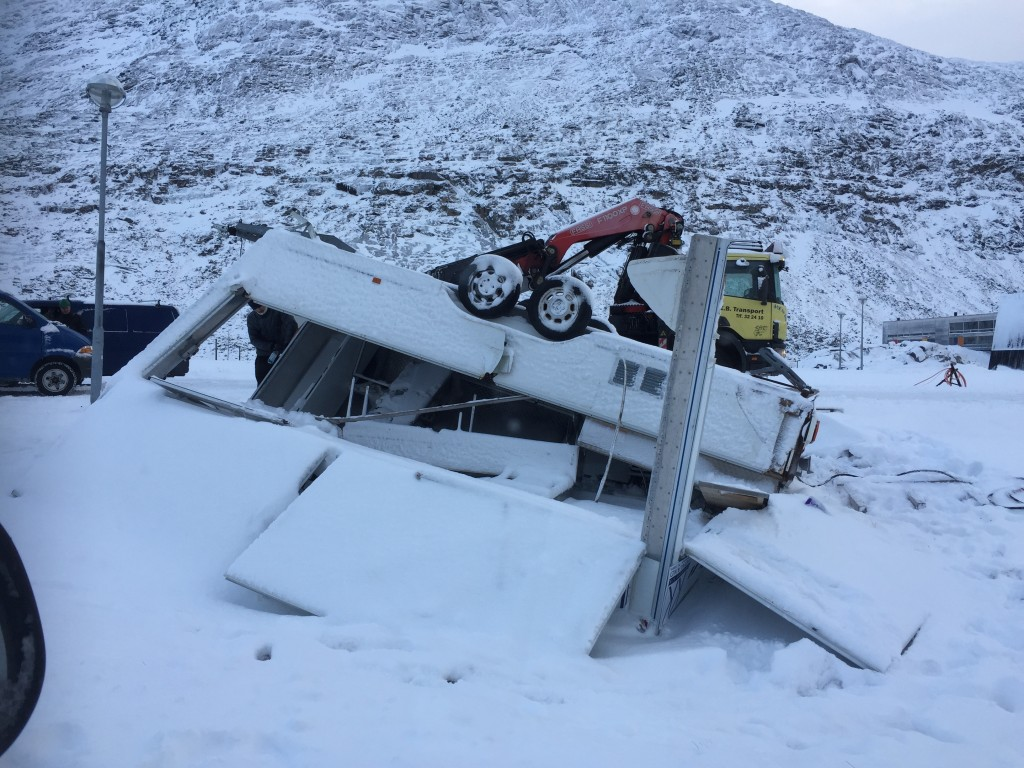 Pølsevognen i Nuuk tog en tur i stormen - rullepølse